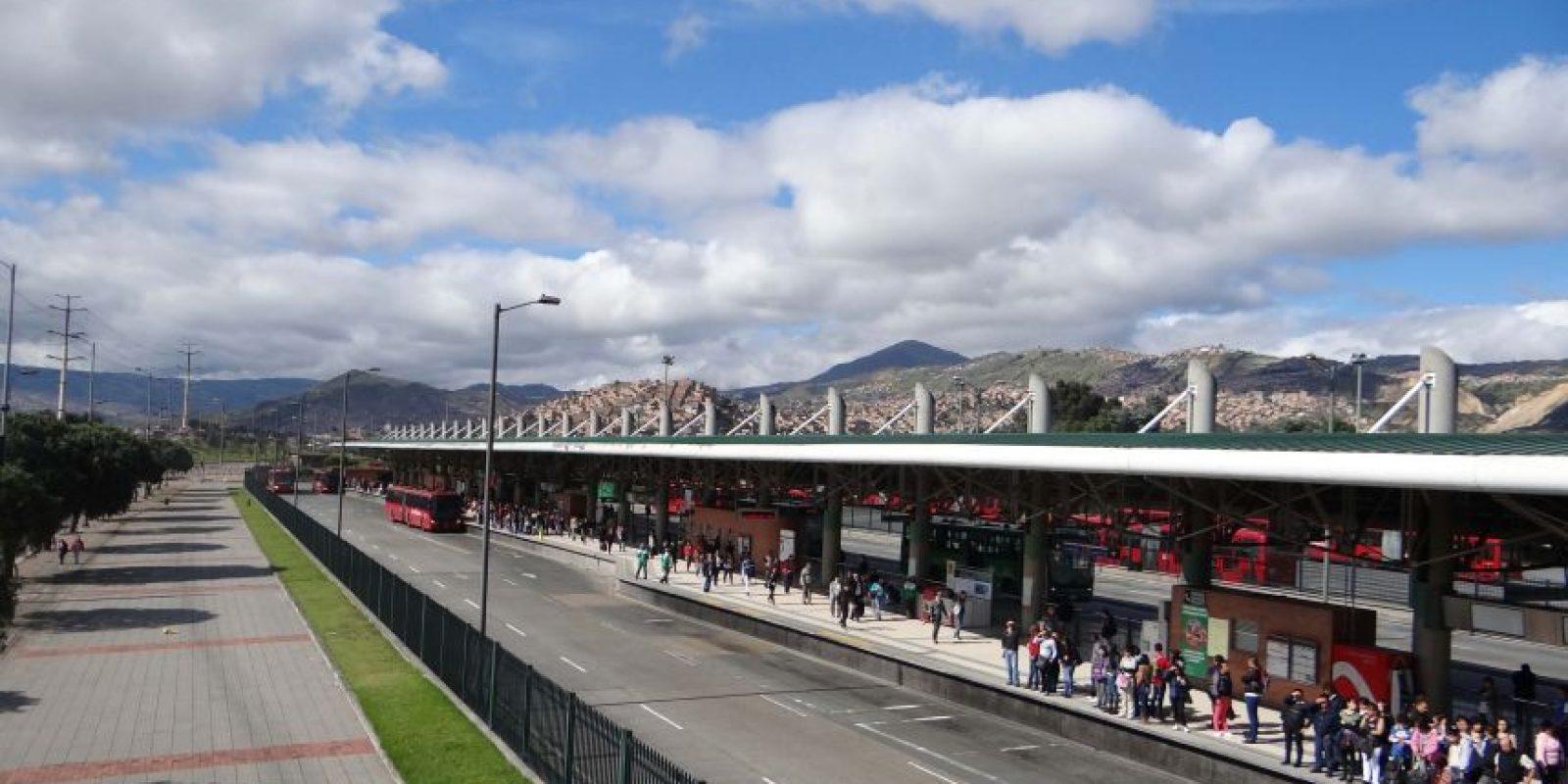La construcción del cable aéreo intermodal permitiría a los usuarios del Portal del Tunal de TransMilenio disminuir sus viajes diarios en cerca de una hora y media. El cable de San Cristóbal contará con cuatro estaciones y una extensión de 3480 metros. Foto:Diego Hernán Pérez /PUBLIMETRO