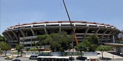 El Maracaná es el quinto estadio mundialista concluido, con cuatro meses de retraso en relación al calendario original de la FIFA, que quería haber inaugurado el pasado diciembre las seis sedes de la Copa Confederaciones. EFE/Archivo
