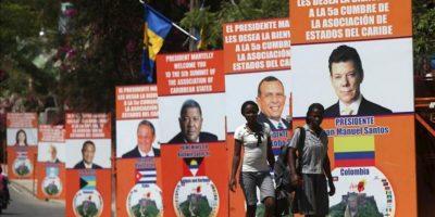 Varios carteles anuncian la V Cumbre de la Asociación de Estados del Caribe (AEC), en Puerto Príncipe (Haití). EFE