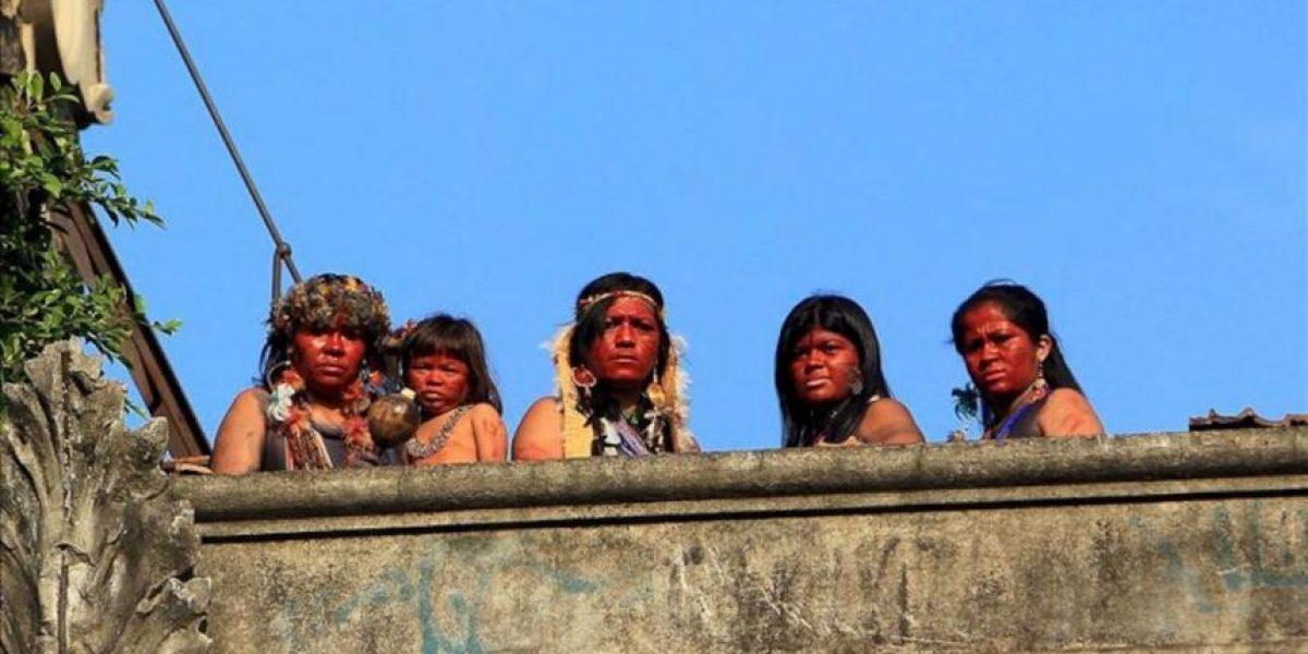 La Policía brasileña retira a unos indios de un antiguo edificio próximo al Maracaná