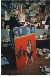 """Fotografía cedida por el National Portrait Gallery de Londres de la obra """"Pauline Boty"""" de Michael Ward, que forma parte de la colección que muestra el museo desde hoy y hasta el próximo 15 de septiembre. EFE"""