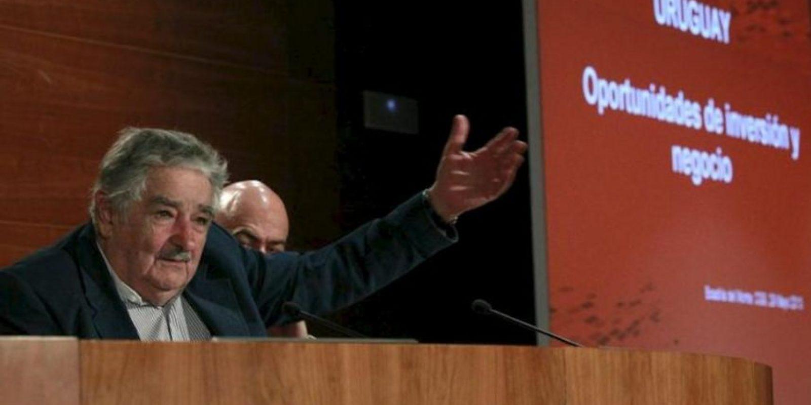 El presidente de Uruguay, José Mujica, durante la reunión que mantuvo con empresarios en la primera jornada de su visita oficial a España, en la que también se entrevistará con el rey Juan Carlos. EFE