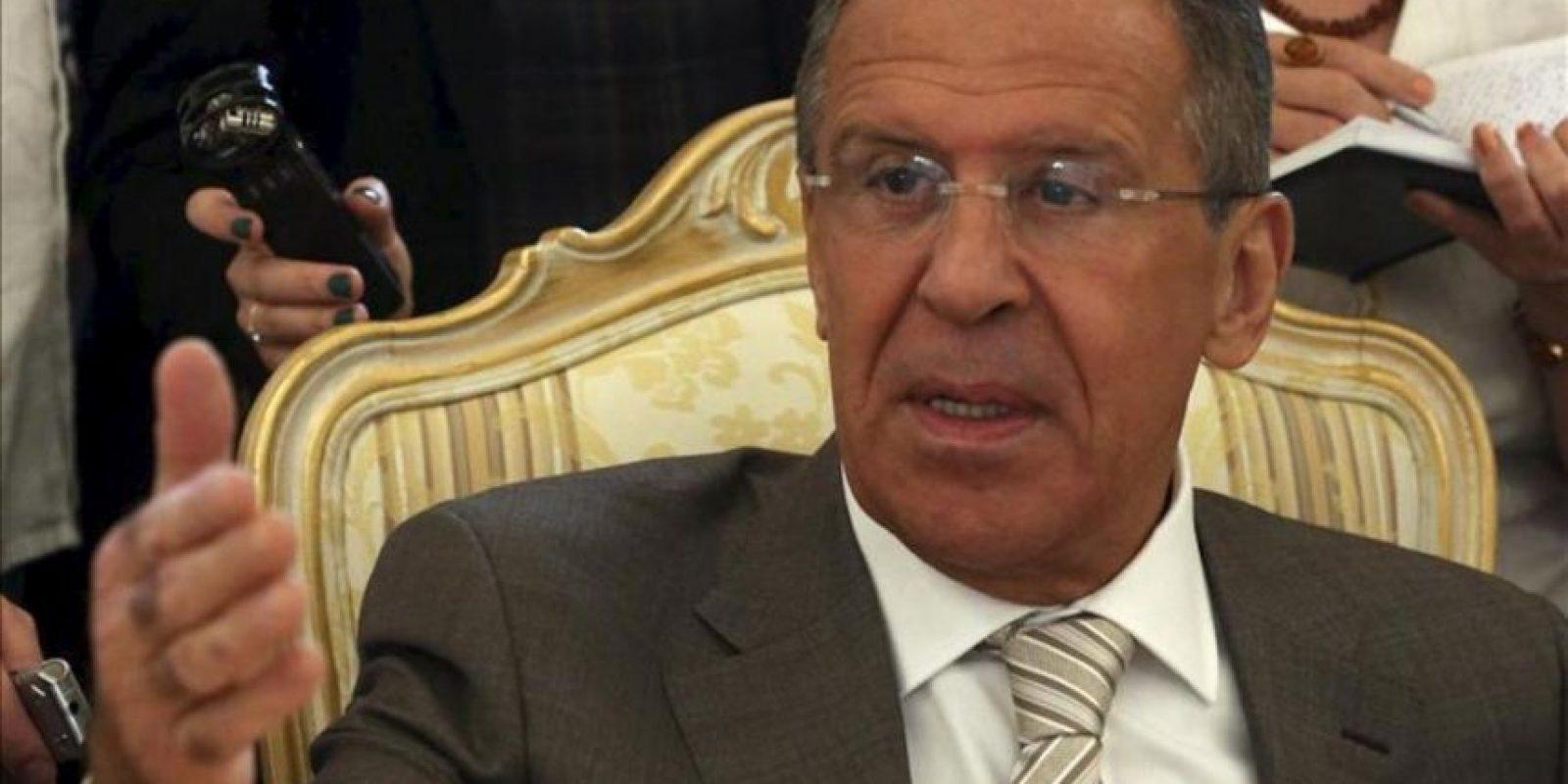 El ministro de Exteriores ruso, Serguéi Lavrov, mantiene una reunión su homólogo cubano, Bruno Rodríguez Parrilla (no aparece), aen el ministerio de Exteriores en Moscú (Rusia) hoy, jueves 30 de mayo de 2013. El responsable cubano realiza una visita oficial al país. EFE