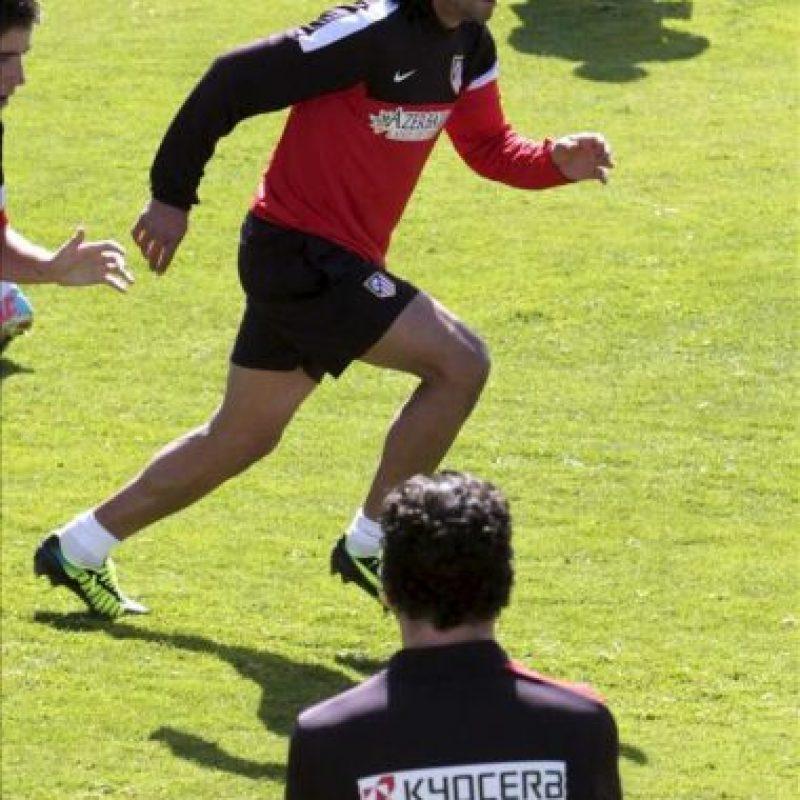 El colombiano Radamel Falcao, delantero del Atlético de Madrid, se reincorporó hoy a los entrenamientos del equipo rojiblanco, tras ultimar en los últimos dos días su fichaje por el Mónaco, un traspaso que será oficial en las próximas horas y que cerrará la etapa del atacante en España. EFE