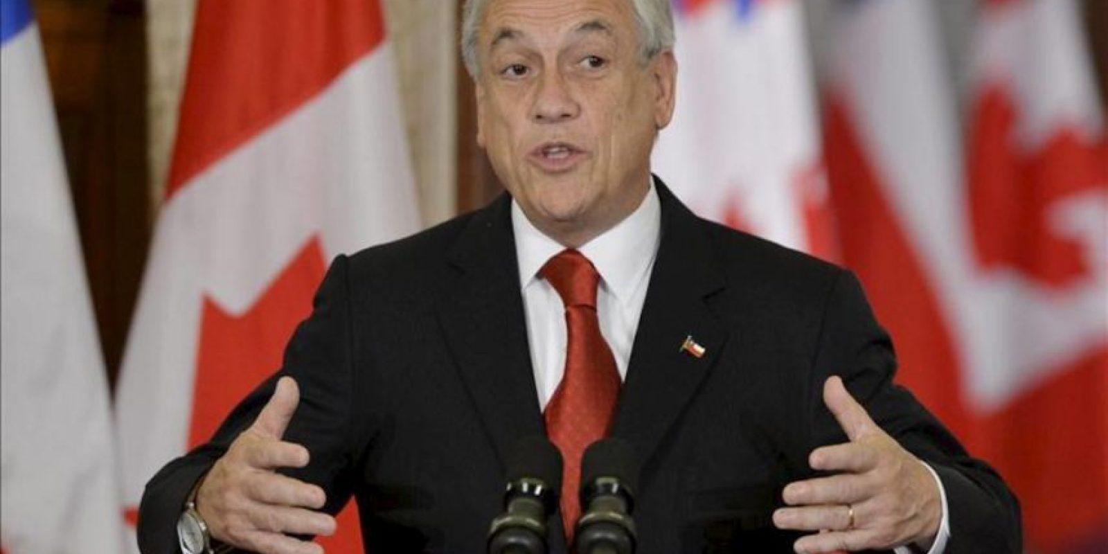 El presidente de Chile Sebastián Piñera habla junto al primer ministro de Canadá Stephen Harper (fuera de cuadro) durante una rueda de prensa hoy, jueves 30 de mayo de 2013, en la sede del Parlamento en Ottawa (Canadá). EFE