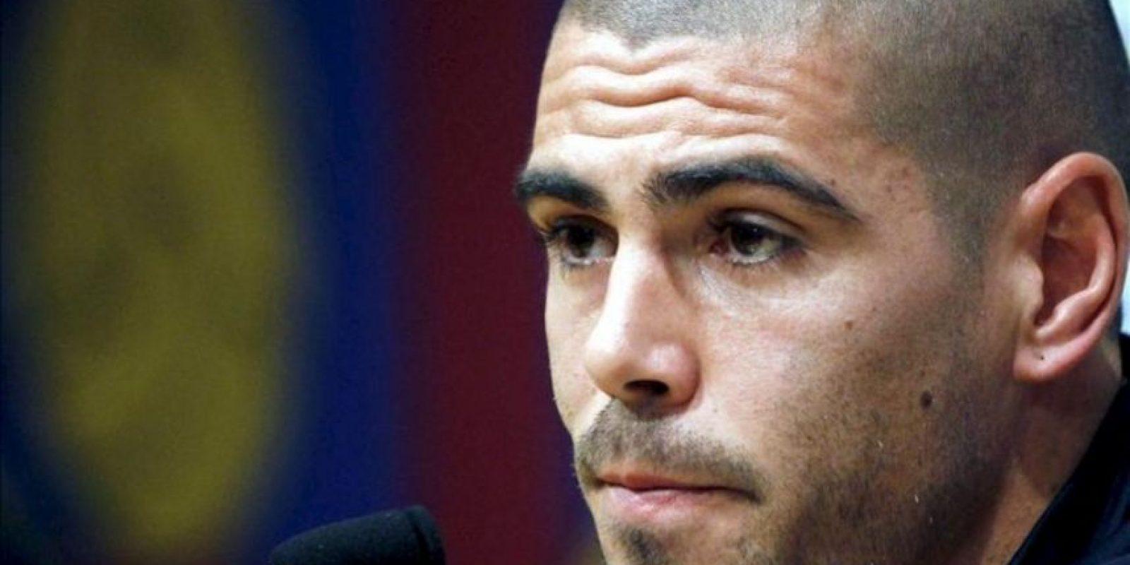 El portero titular del Barça, Víctor Valdés, durante la rueda de prensa que ha ofrecido hoy en el Camp Nou para argumentar su adiós del club cuando finalice su contrato, el 30 de junio del 2014. EFE