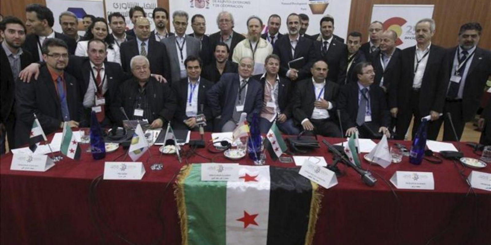 Representantes de movimientos de la oposición al régimen sirio de Bachar al Asad, durante una reunión en Madrid la semana pasada. EFE/Archivo