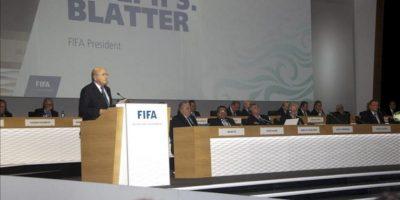 El presidente de la FIFA, Joseph S. Blatter, da un discurso durante su participación en el 63º Congreso de la FIFA en Port Louis (Mauricio) hoy. EFE