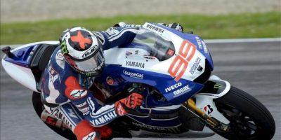El piloto español de MotoGP Jorge Lorenzo, de Yamaha, participa en una sesión de entrenamientos libres para el Gran Premio de Italia. EFE
