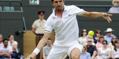 Julien Benneteau durante su partido de la segunda ronda del Torneo de Wimbledon. EFE