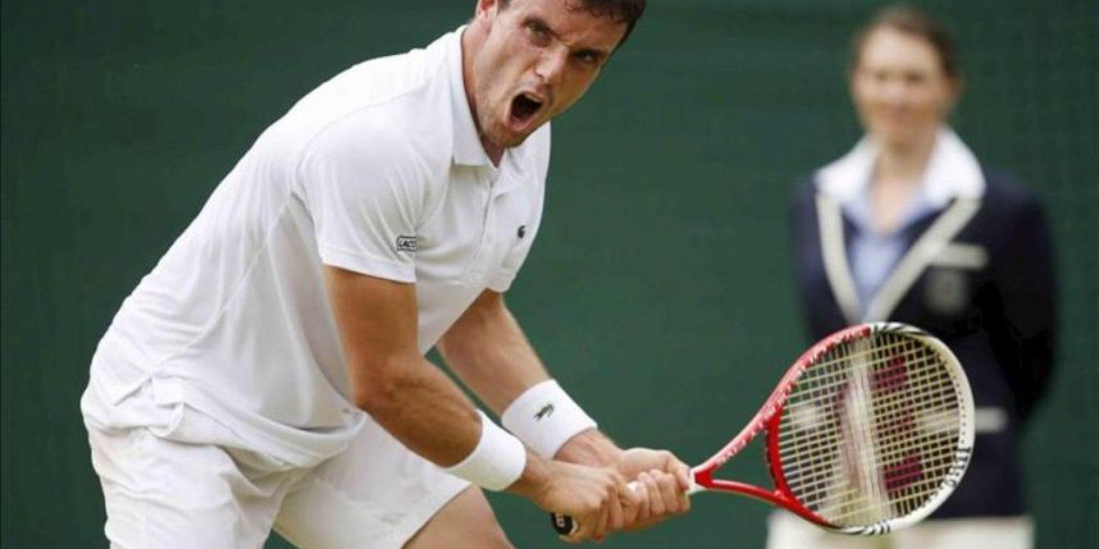 El tenista español Roberto Bautista Agut durante un partido de segunda ronda del torneo de tenis de Wimbledon. EFE