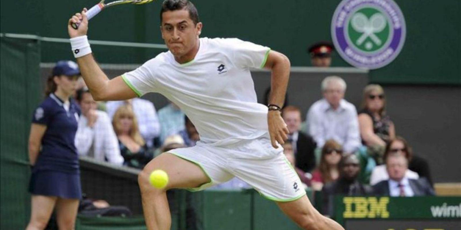 El tenista Nicolás Almagro durante el partido de segunda ronda del torneo de Wimbledon. EFE