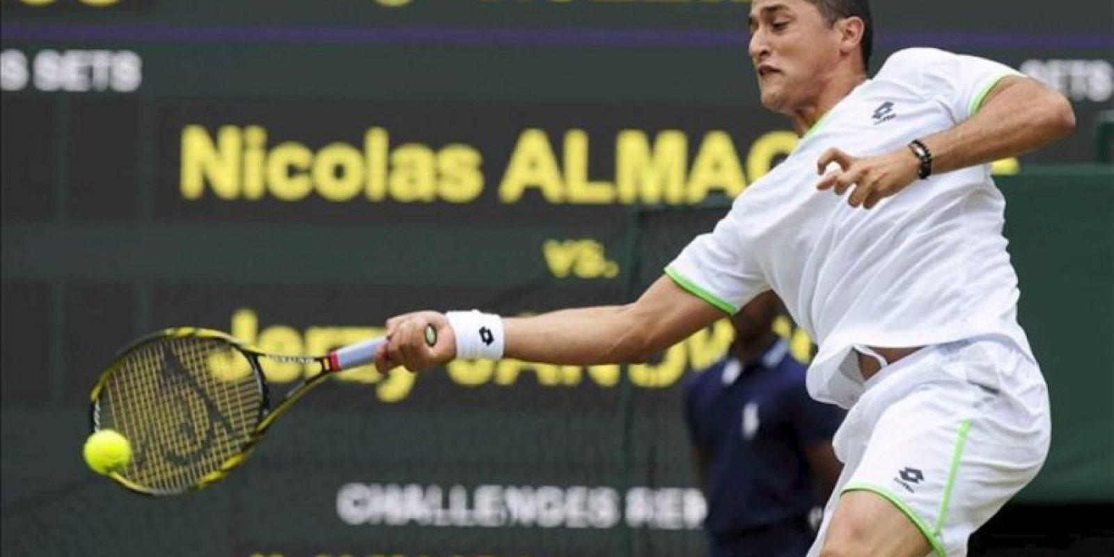 El tenista español Nicolás Almagro durante el partido de segunda ronda del torneo de Wimbledon. EFE