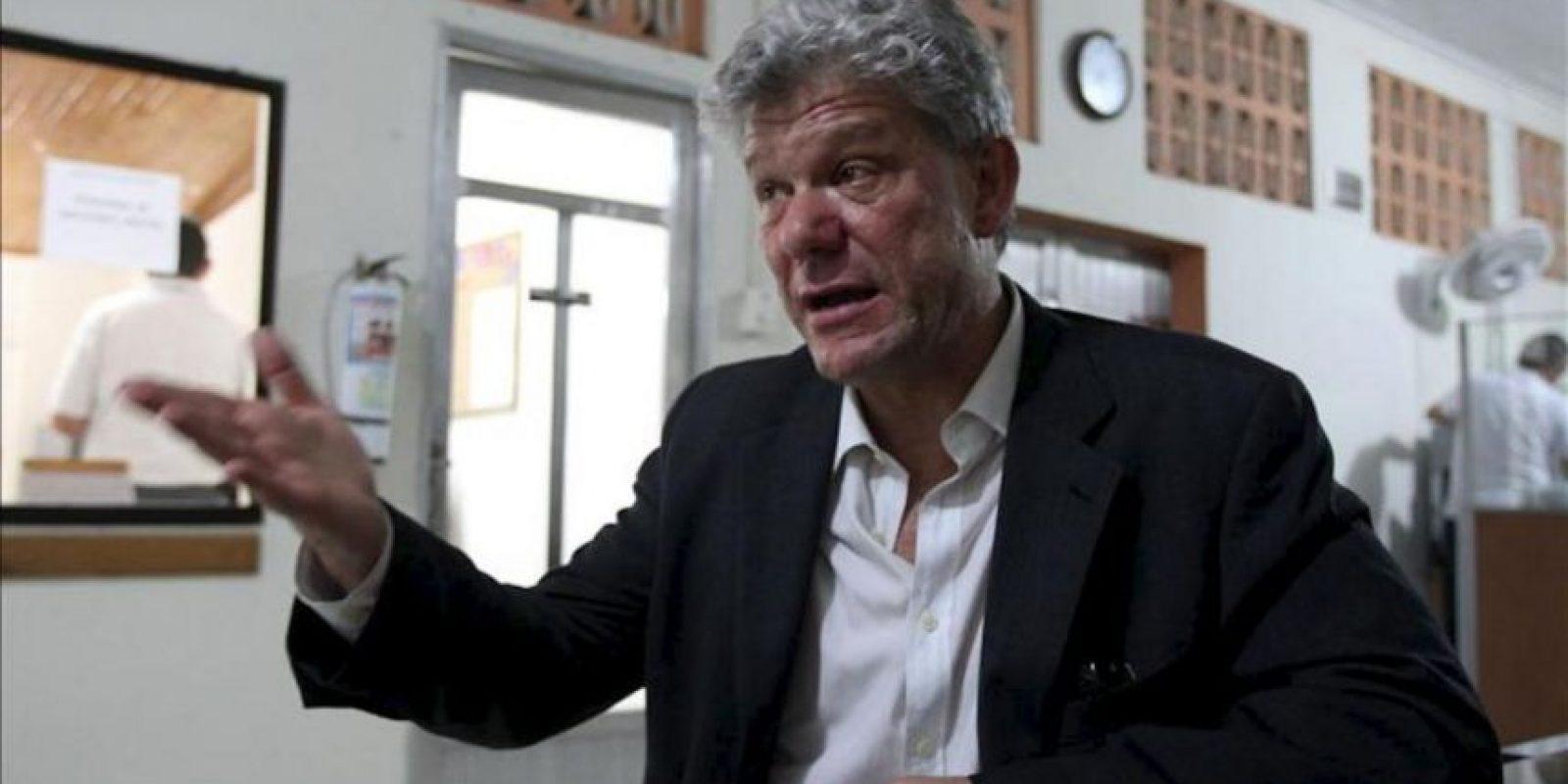 Fotografía fechada el 27 de junio de 2013, que muestra al coordinador residente y Humanitario de las Naciones Unidas en Colombia y representante del PNUD, Fabrizio Hochschild, durante una entrevista con Efe en Quibdó, Chocó (Colombia). EFE
