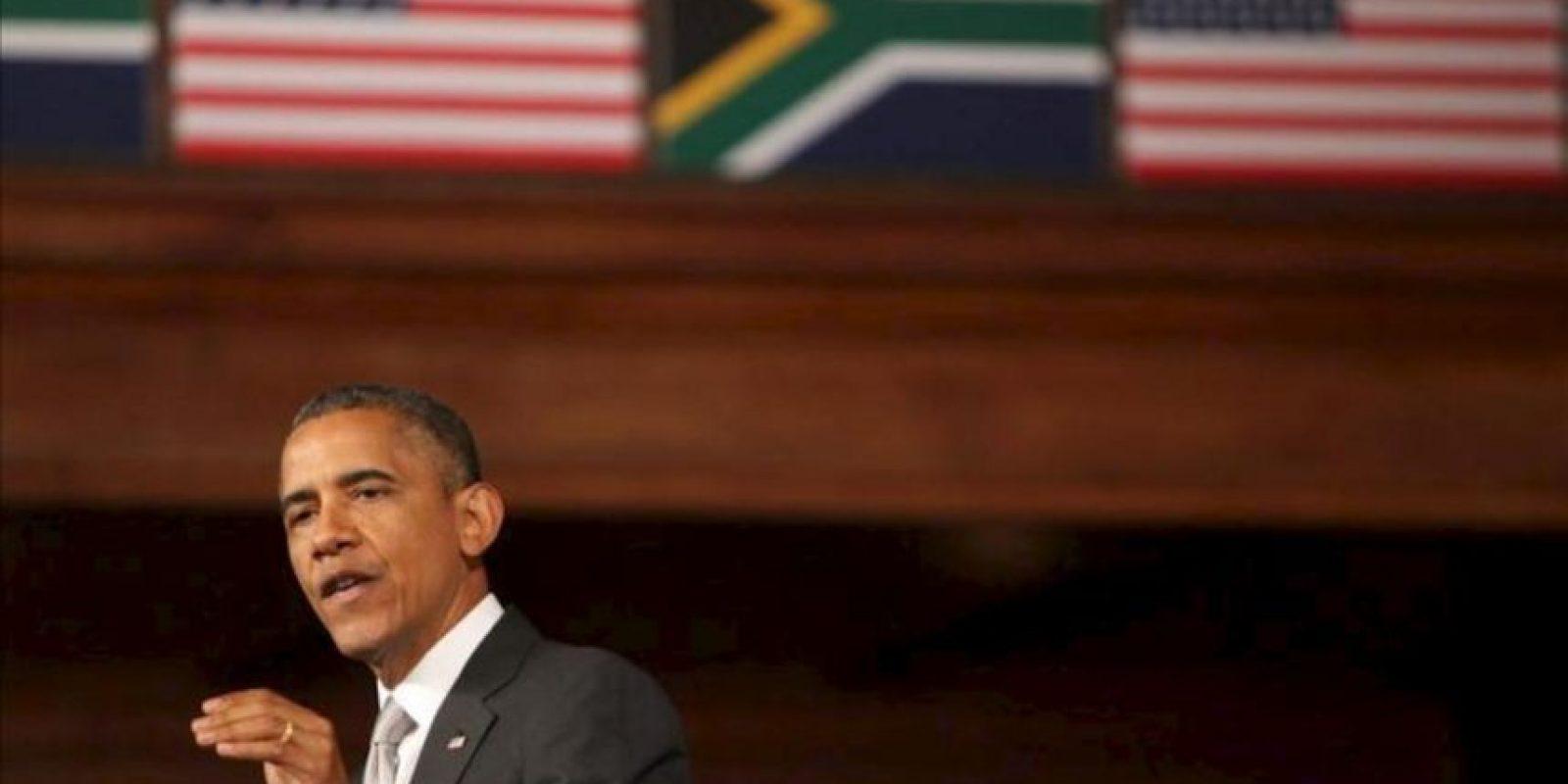 El presidente estadounidense, Barack Obama, concluyó hoy su visita oficial a Sudáfrica con una decidida apuesta por la democracia y el Estado de derecho para impulsar el desarrollo en África. EFE