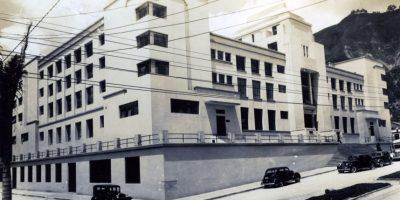 Así lucía la biblioteca cuando fue inaugurada esta sede, en 1938. Fue ubicada en un lugar estratégico para ganar visitantes del entonces prestigioso centro de Bogotá. Foto:Cortesía Biblioteca Nacional