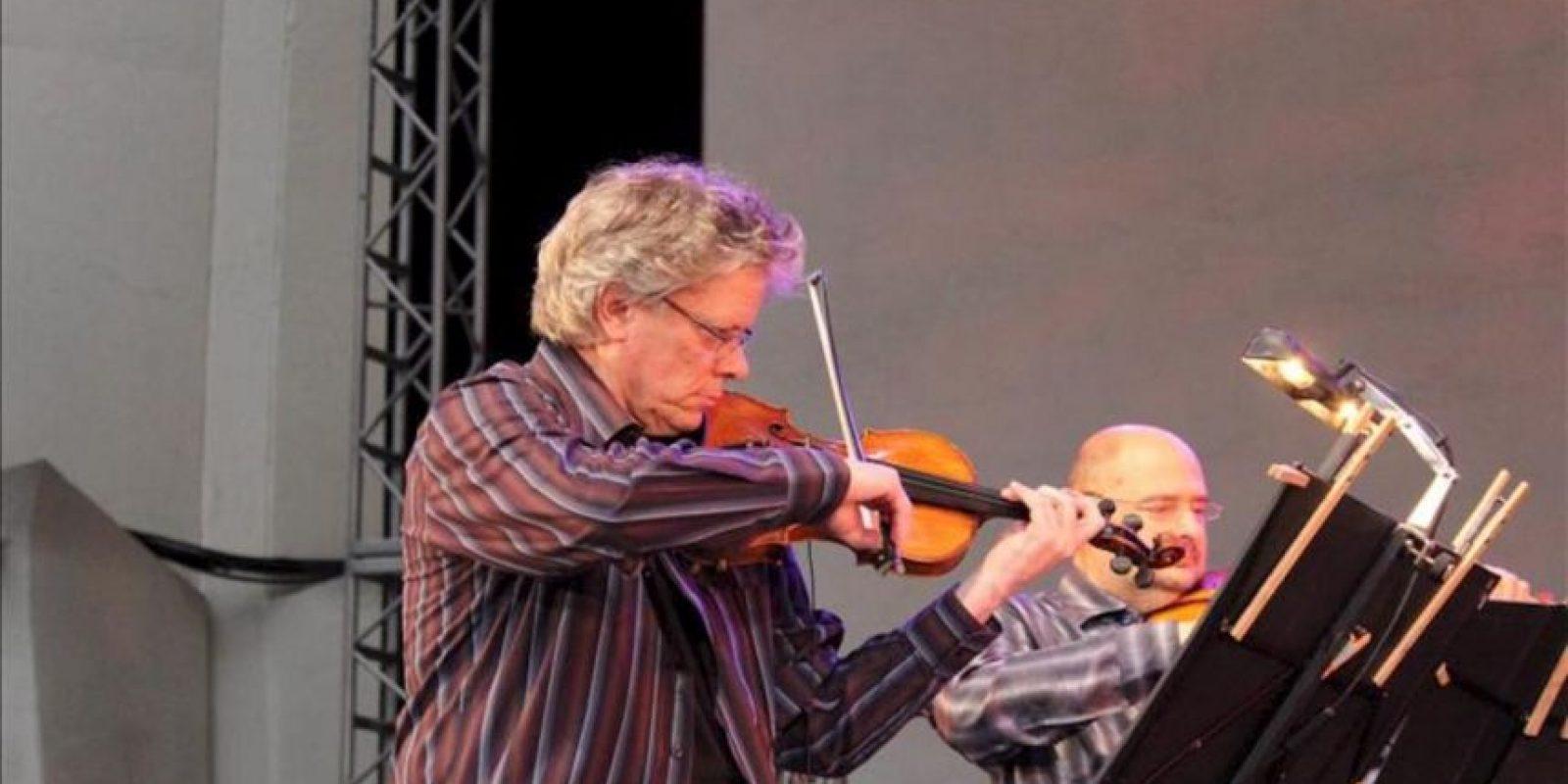 David Harrington, que fundó el Kronos Quartet en Seattle (Washington) en 1973, ensaya una pieza junto a John Sherba, Hank Durtt y Sunny Yang (no aparecen en la imagen). EFE