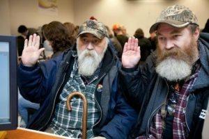 El momento en que una pareja homosexual muy inusual contrae matrimonio en Washington. Foto:merylschenker.com