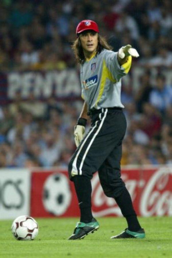 Conocido como el 'Mono', el exarquero de la selección argentina, Germán Burgos sufrió de cáncer de hígado razón por la cual decidió retirarse del fútbol para trabajar en su recuperación. En 2003 fue operado, y después de tres meses de recuperación, el portero se declaró victorioso en esta batalla. FOTO: Getty Images