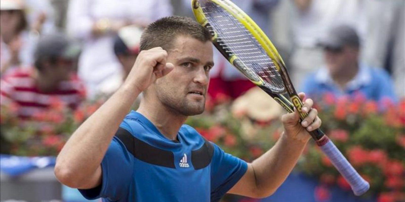 El ruso Mikhail Youzhny, tras ganar la semifinal contra el rumano Victor Hanescu en el torneo de Gstaad, Suiza. EFE