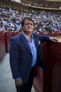 """El matador de toros valenciano Vicente Ruiz """"El Soro"""", posa en la plaza de toros de Valencia con motivo de la entrevista con Efe. EFE"""