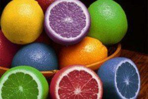 Limones de colores que solo pueden hacerse realidad por medio de Photoshop. Foto:Buzzfeed.com