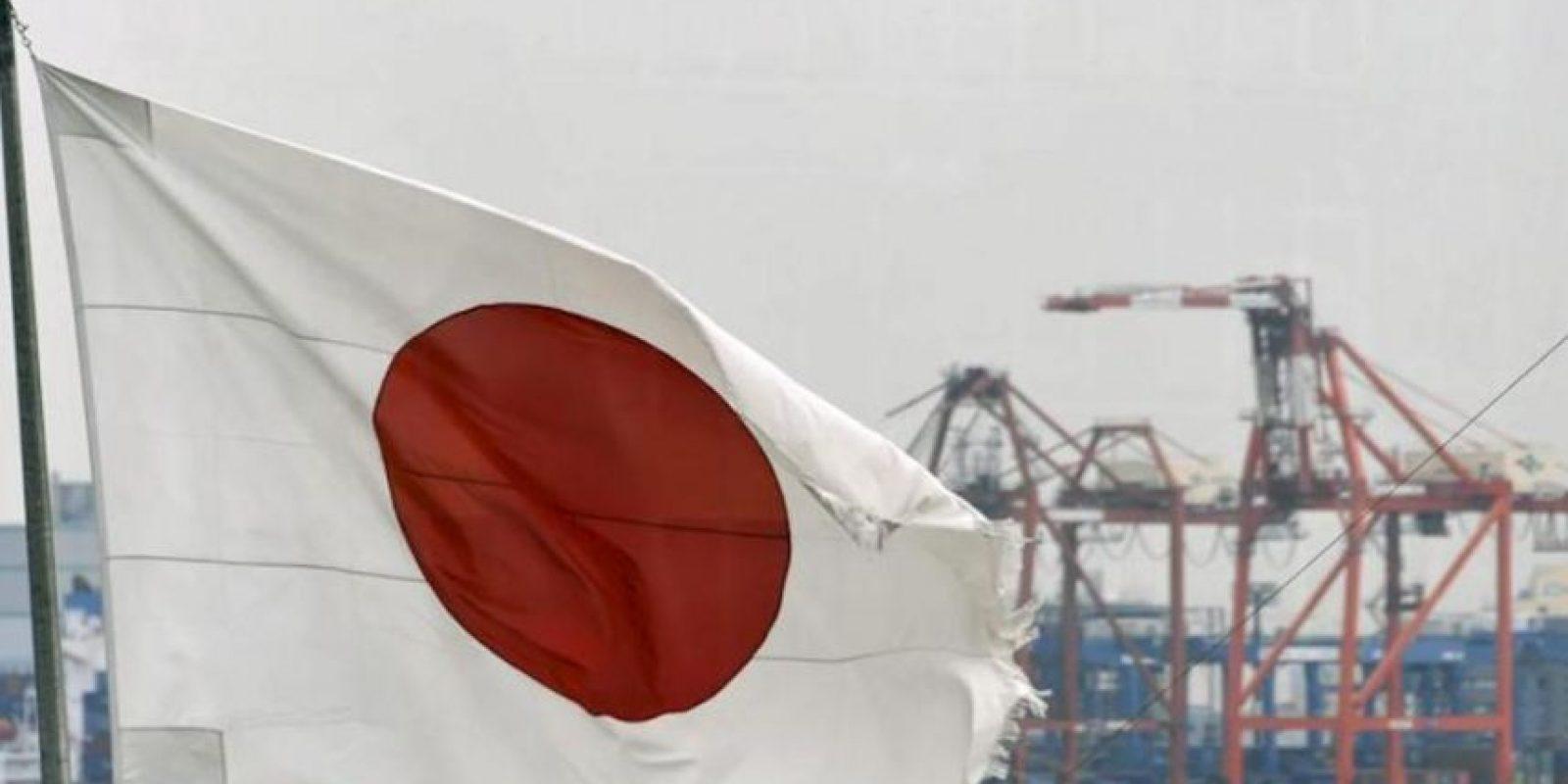 La bandera de Japón en el puerto de Tokio (Japón). EFE/Archivo