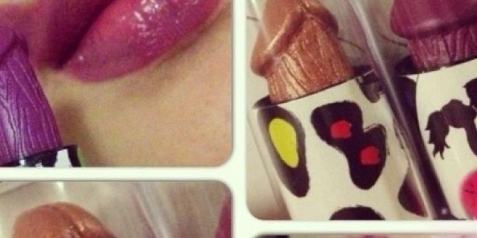 Brillo labial en forma de pene Foto: Internet
