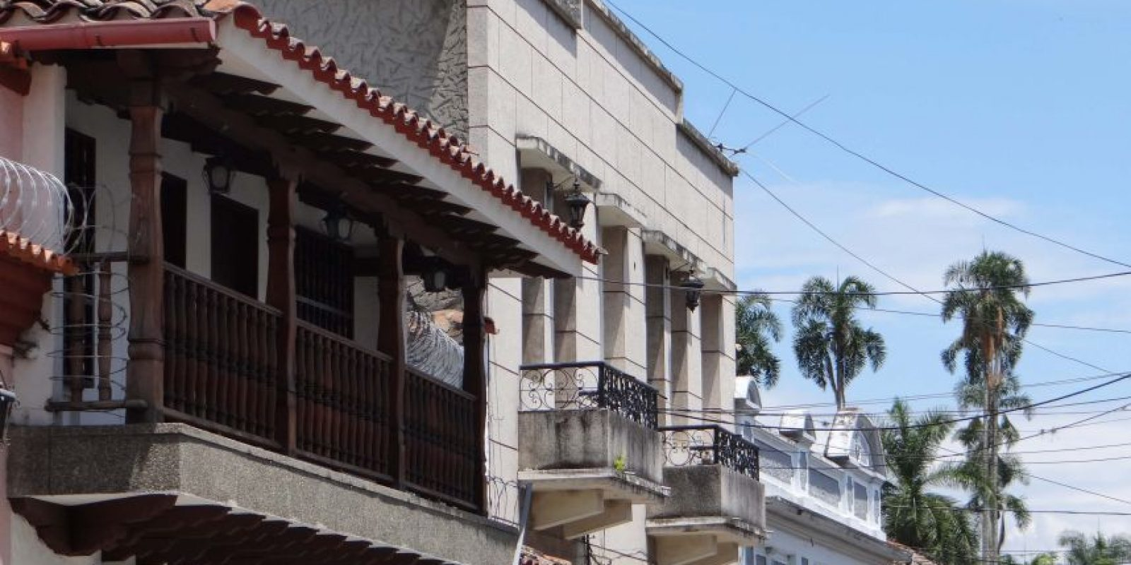 La arquitectura de las fachadas de las casas de Buga. Foto: Diego Hernán Pérez S. /PUBLIMETRO
