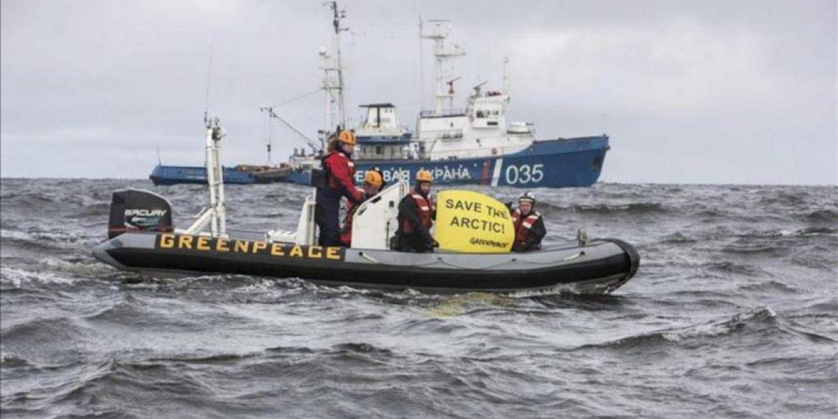 La guardia fronteriza rusa detiene el rompehielos de Greenpeace