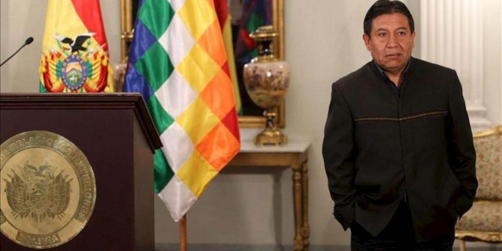 """El canciller boliviano, David Choquehuanca, informó a los medios que el Gobierno de su país entregó una nota diplomática a la Embajada de Brasil en la que expresa su """"profunda preocupación"""" por """"la transgresión del principio de reciprocidad y cortesía internacional"""" debido a la huida del senador opositor Roger Pinto a ese país. EFE"""