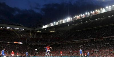 Vista general del Manchester United ante el Chesea durante el juego de la Liga Premier que disputaron ambos equipos en el estadio Old Trafford, en Manchester, Reino Unido. EFE