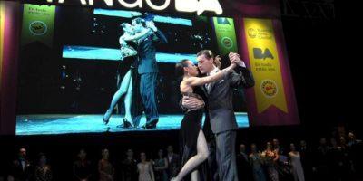 Florencia Zárate Castilla y Guido Palacios bailan el 27 de agosto de 2013, en el Mundial de Tango de Buenos Aires (Argentina). EFE