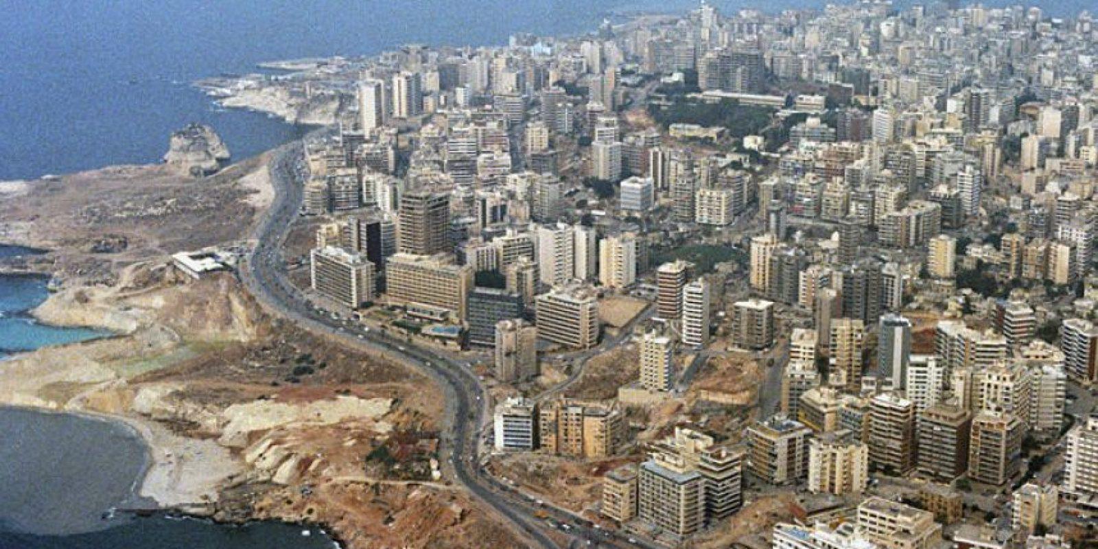 Beirut: Fue una zona de guerra de la década de 1980 y se ha convertido en la ciudad más 'cool' en el Medio Oriente. Las Mezquitas, los baños romanos y los museos la convierten en un destino interesante. Este lugar es como un 'Miami Beach' en el Medio Oriente.Beirut. Foto:Wikimediacommuns.