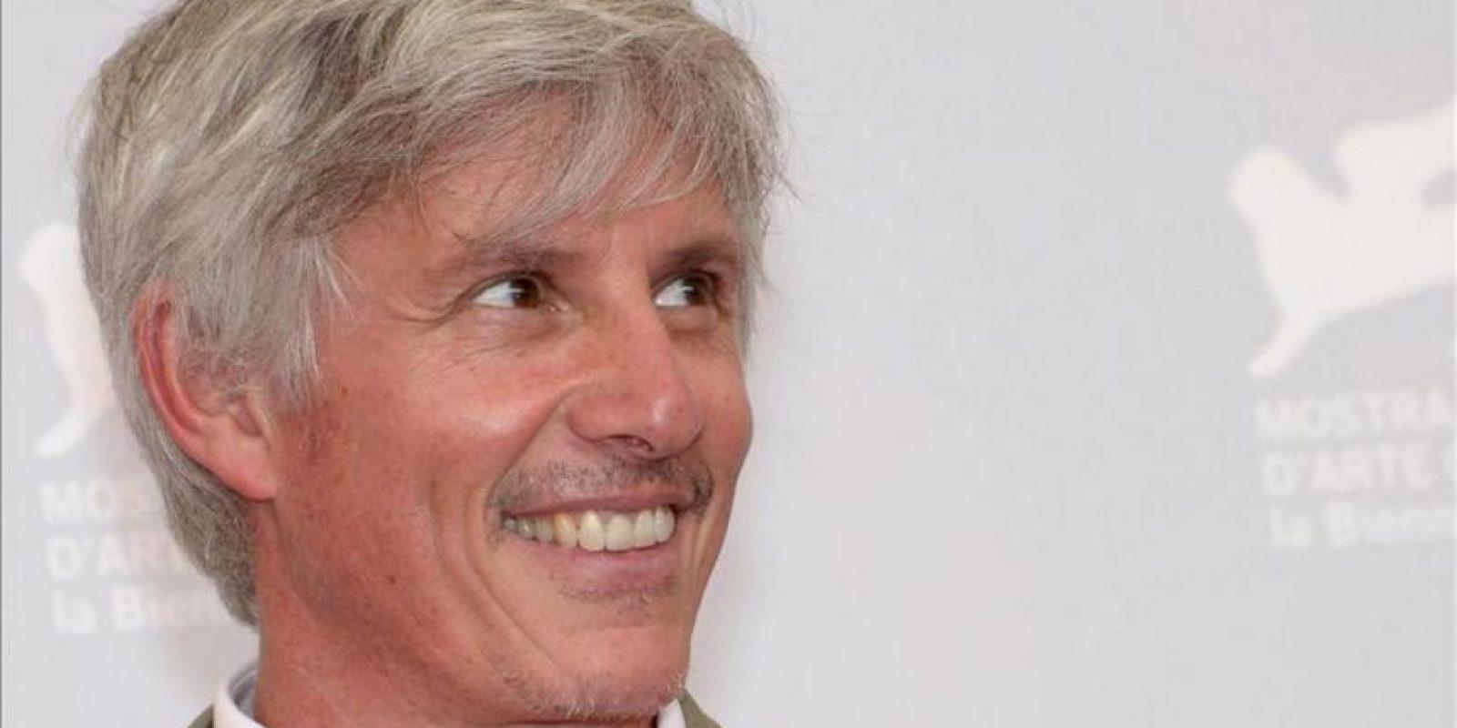 """El director estadounidense John Curran posa durante un pase gráfico de la película """"Tracks"""" en la 70 Mostra de Venecia. EFE"""