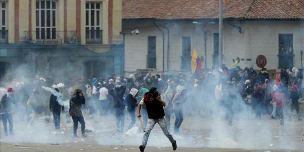Disturbios y heridos en marcha de apoyo a la huelga agropecuaria en Colombia