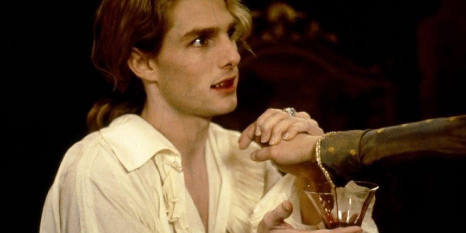 Desde Lestat de Lioncourt podemos decir que comenzó la onda de vampiros un poco más 'sensibles', aunque eso sería erróneo para describir al primer vampiro que hizo de su especie algo sexi. Él es el absoluto protagonista de la saga de Anne Rice llamada 'Crónicas Vampíricas'. Es infantil, manipulador, amoral, lujurioso, bisexual, excéntrico, débil y también despiadado cuando quiere. Ha tenido amantes mortales e inmortales, a los que lastima y por los que sufre. Tom Cruise le dio vida en 1994, en 'Entrevista con el Vampiro', y Stuart Townsend le dio una figura más sensual en 'La Reina de los Condenados'. Foto: Fanpop.