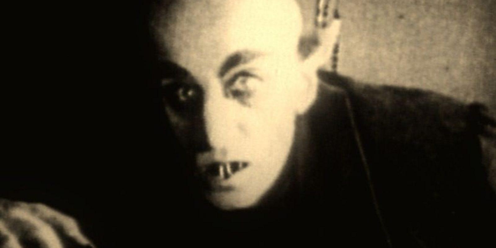 Misterio, suspenso en su esencia más pura. Elegancia, horror puro. Eso era Nosferatu, el primer gran vampiro que conoció la cultura popular. Foto: Objetivocine