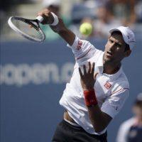 El tenista serbio Novak Djokovic durante el partido que ha disputado contra el alemán Benjamin Becker en la quinta jornada del Abierto de tenis de Estados Unidos, en Flushing Meadows, Nueva York (EE.UU.). EFE