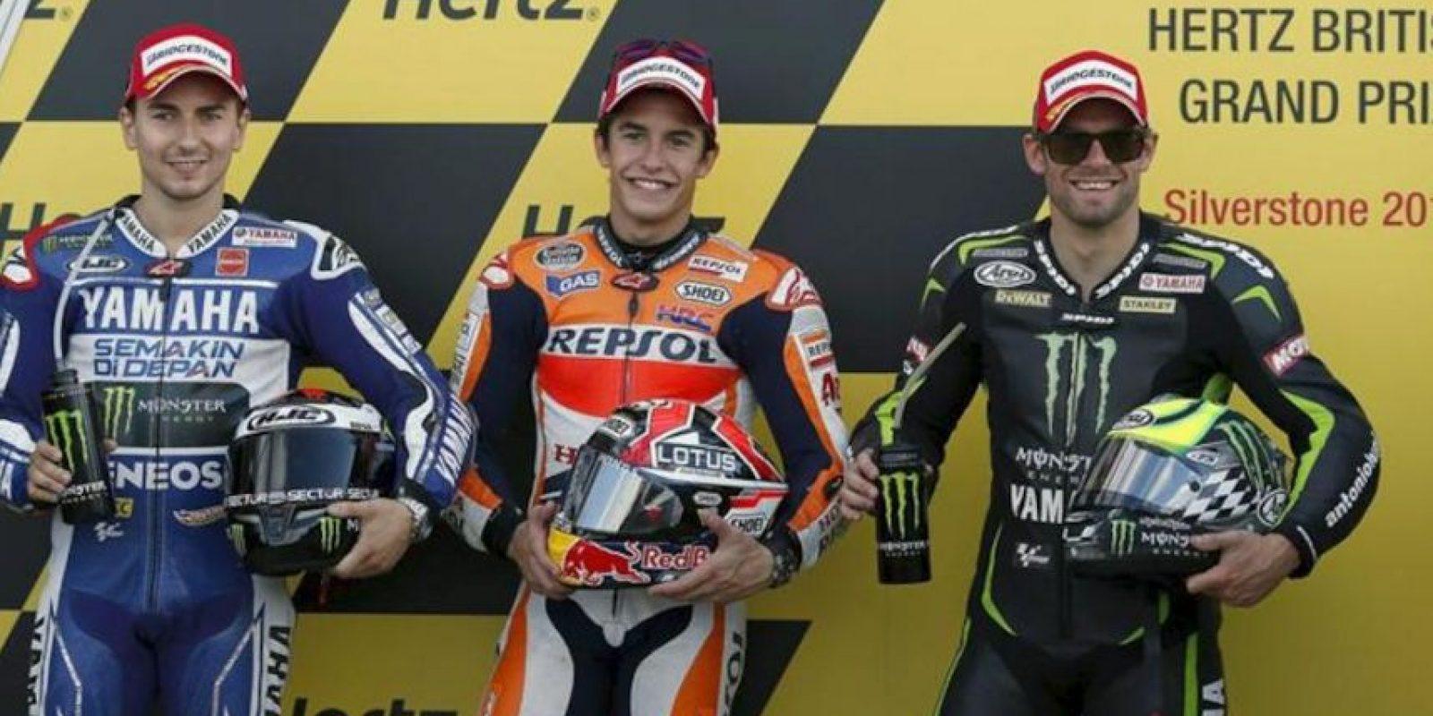 El español Marc Márquez (Repsol Honda) ganó hoy a su compatriota Jorge Lorenzo (Yamaha) el mano a mano que mantuvo con él en los entrenamientos clasificatorios del Gran Premio de Gran Bretaña de MotoGP en el circuito de Silverstone. EFE