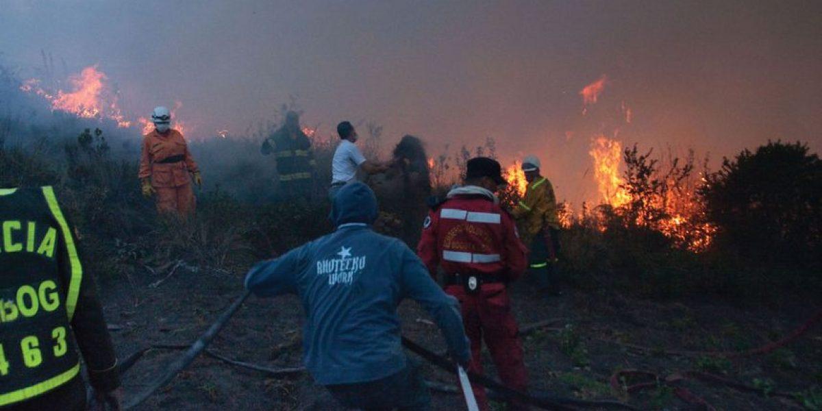 Bomberos logran controlar incendio en La Calera