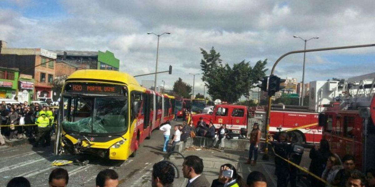 Accidente entre TransMilenio y carro de Bomberos