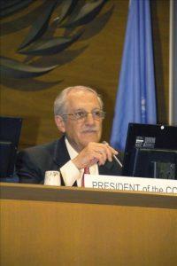 El presidente de la Organización de la Aviación Civil Internacional (OACI), Roberto Kobeh, durante la apertura de la 38 sesión de la Asamblea General de la OACI. EFE