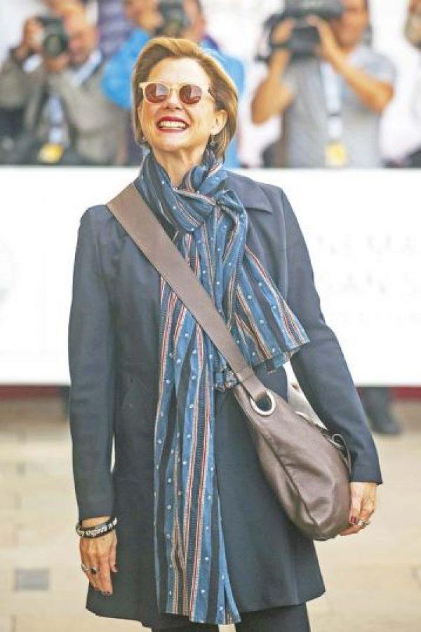 La sonrisa glamorosa de Annette Bening en el festival de san sebastián. Foto:AFP