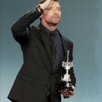 El actor australiano Hugh Jackman tras recibir hoy el Premio Donostia, en el marco de la 61 edición del Festival Internacional de Cine de San Sebastián. EFE
