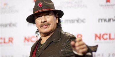 Carlos Santana durante la ceremonia de los Premios ALMA, premios latinos del mundo del espectáculo, en el Pasadena Civic Auditorium de Pasadena, Los Ángeles, California (EE.UU.) este 27 de septiembre de 2013. EFE