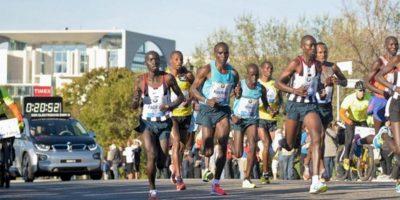 Un grupo de corredores en el maratón de Berlín. EFE