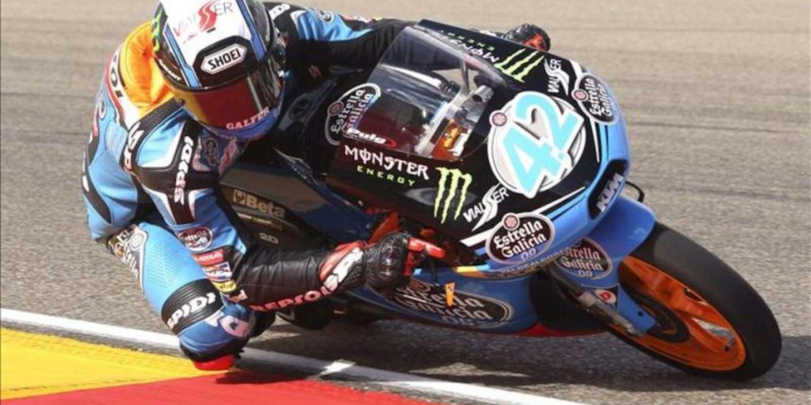 El piloto español Alex Rins (Estrella Galicia 0'0 KTM), durante la carrera final de Moto3 en el Gran Premio de Aragón de motociclismo que se celebra hoy en el circuito alcañizano de Motorland. EFE