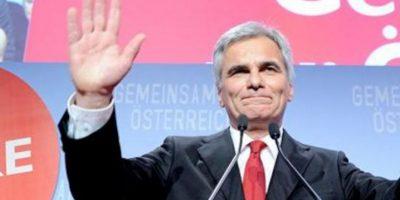 El candidato del partido Socialdemócrata (SPÖ), el canciller Werner Faymann, tras conocer el resultado de las elecciones en Viena, Austria. EFE