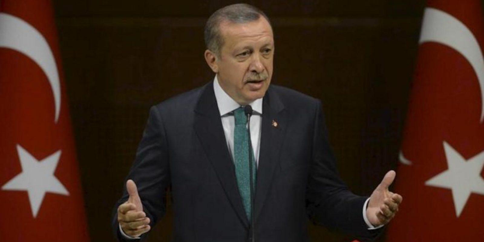 Fotografía facilitada por el gobierno turco que muestra al primer ministro turco, Recep Tayipp Erdogan, durante una rueda de prensa en Ankara (Turquía), en la que ha anunciado reformas importantes. EFE